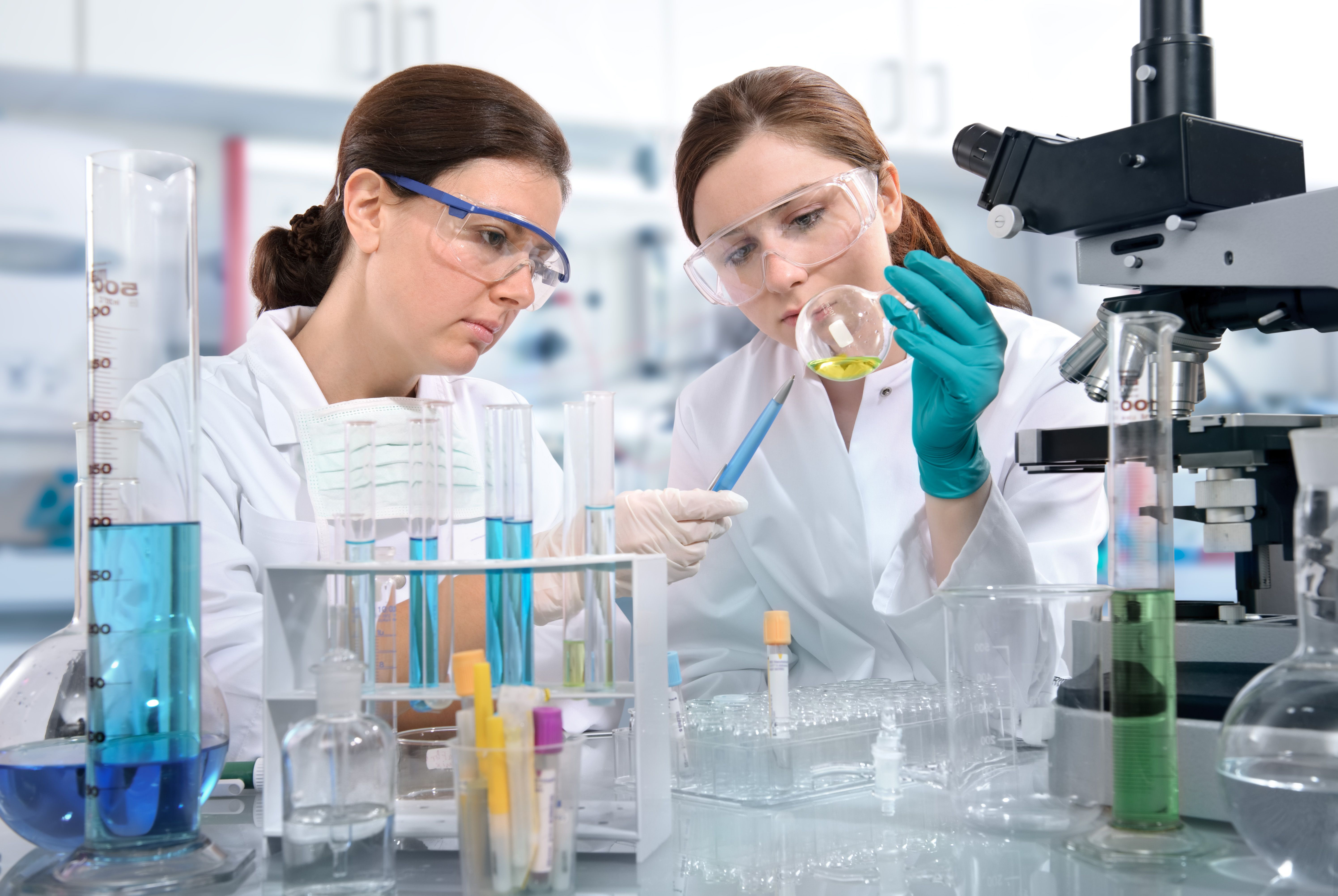 females_in_lab_with_chemicals_2.jpg